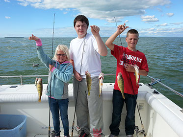 Captain Hook Fishing Charters Walleye, Smallmouth Bass and Yellow Perch